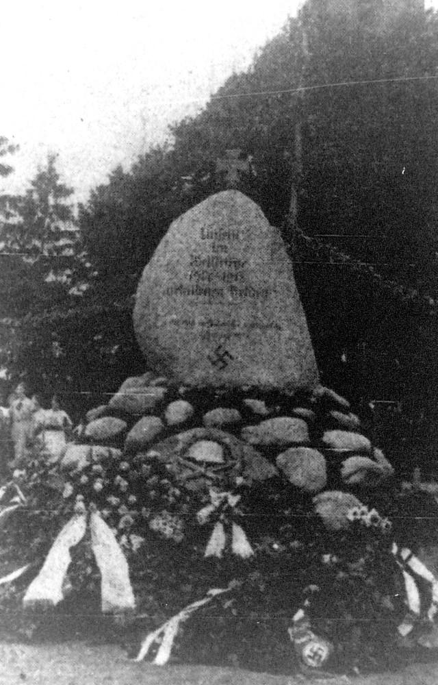 20 - Kriegerdenkmal - 01; 1933