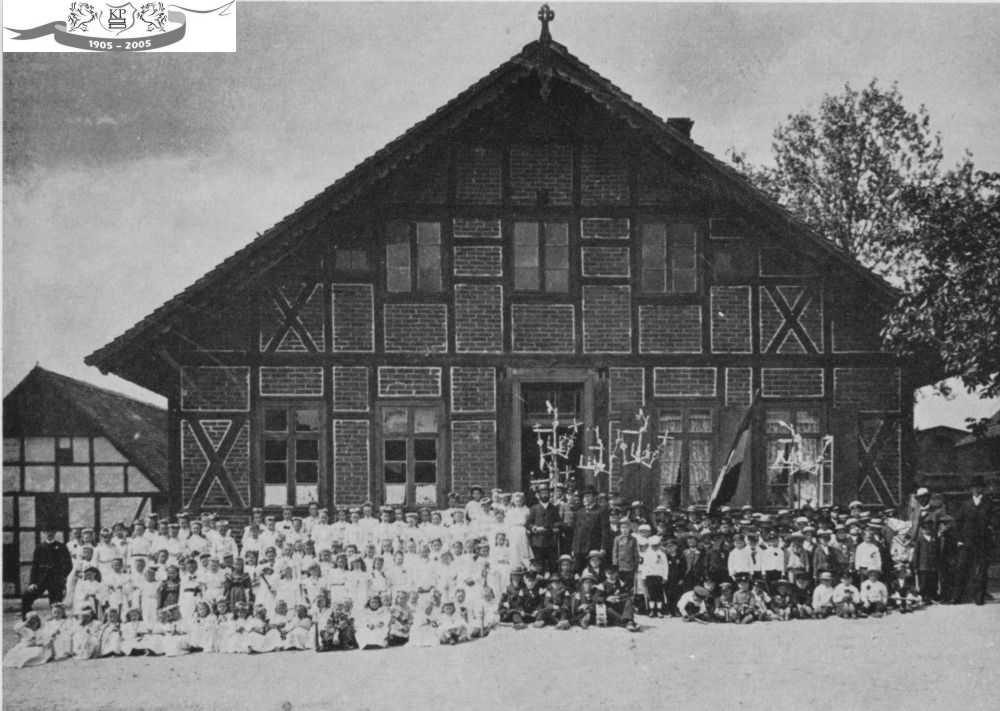 07a - Warsow, Altes Schulhaus, Dorfstraße, Kinderfest; 1905